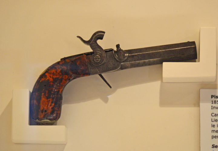 <br />Semi-breechloading percussion cap pistol, circa 1850